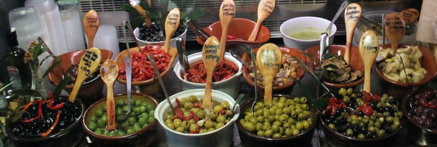 A wide range of Italian antipasti for any occasion
